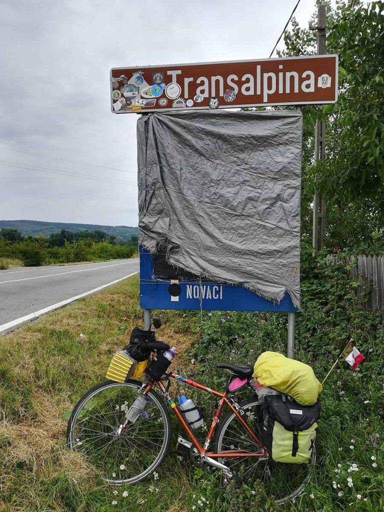 Letrero al inicio de la Transalpina
