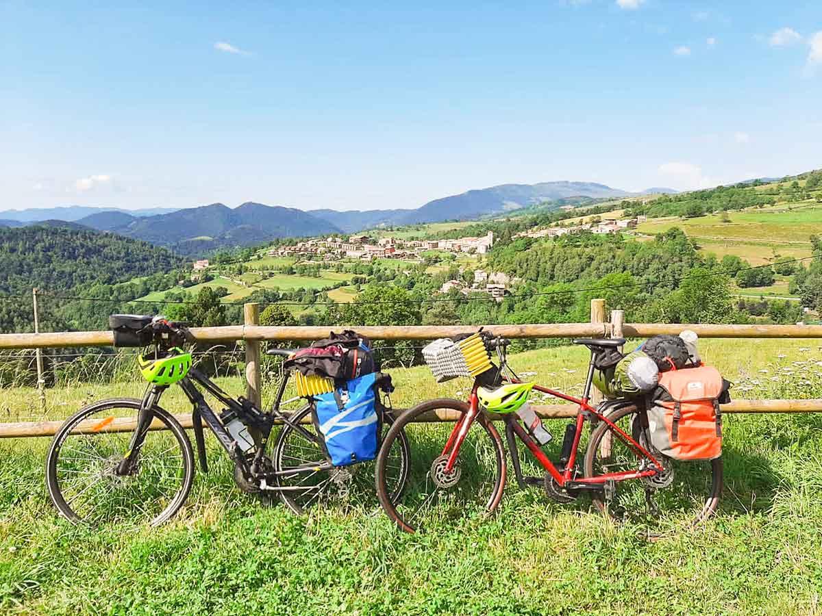 Yo también viajo en bicicleta. Cicloturismo por la Pirinexus