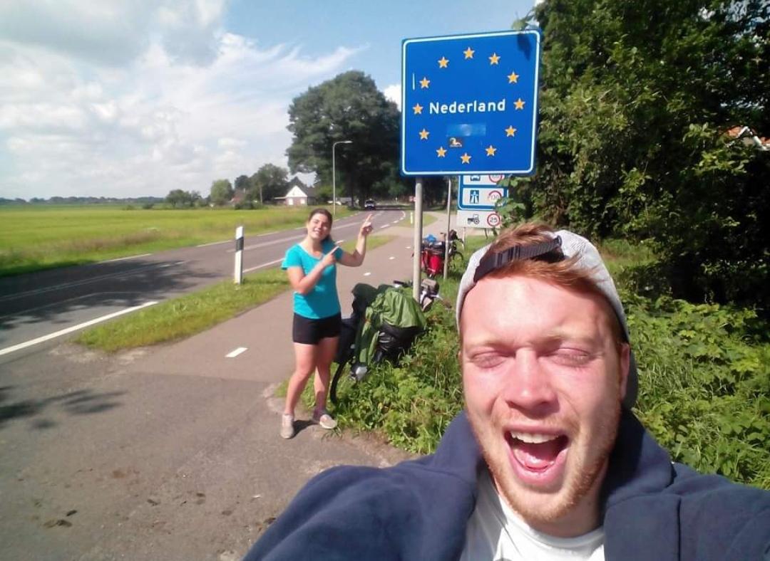 Llegando a Holanda en bicicleta.
